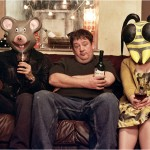 Johny Veaga as Moz with David Sant as Cartoon Head and Joanna Neary as Judith - IDEAL series 3