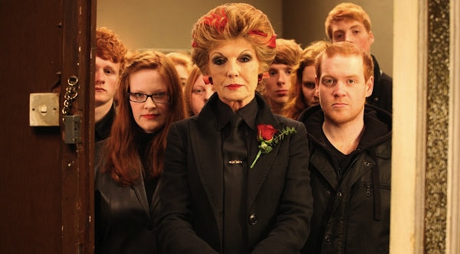Graham Duff » Rula Lenska with The Red Mist – IDEAL series 7